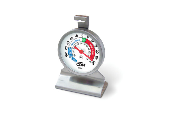 rft1c-fridge-thermometer-angle